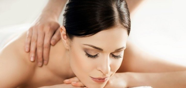 До 7 сеансов массажа спины, шейно-воротниковой зоны и рук в Кабинете фитопаротерапии